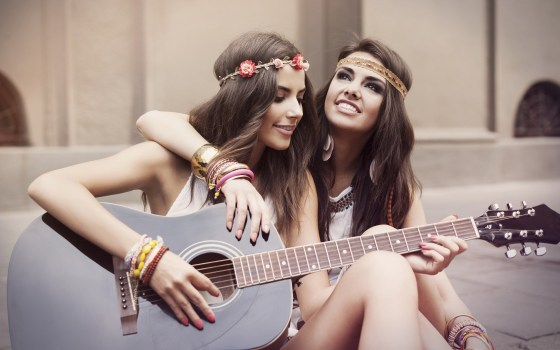 girls-girlfriends-friendship-smile-guitar-mood-hd-wallpaper